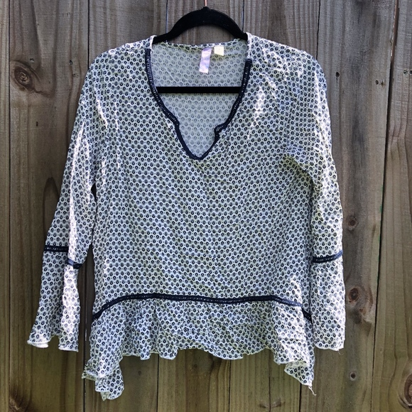 Francesca's Collections Tops - Francesca's Collections Alya Navy White Blouse